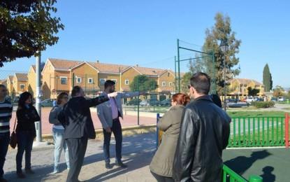 El alcalde anuncia nuevas mejoras en la urbanización Puerta Alhaurín de la Torre, Málaga