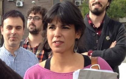 La candidata a la Presidencia de la Junta de Podemos y diputada electa, Teresa Rodríguez 'Más detenidos de la Junta, seguimos sumando vergüenzas'