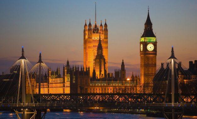 Reino Unido vota sí al Brexit y abandona la Unión Europea