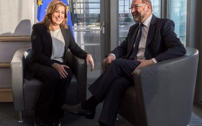 Susana Díaz mantiene un encuentro con Martin Schulz en la sede del Parlamento Europeo en Bruselas