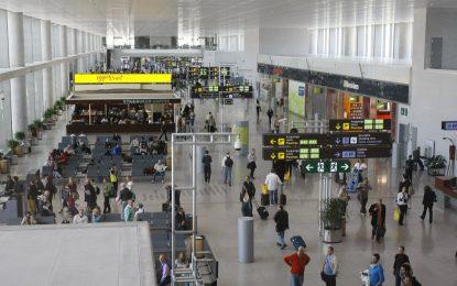 Arrestadas cuatro personas de nacionalidad polaca en Málaga por alteración del orden en un avión
