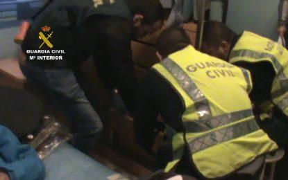 La Guardia Civil detiene a dos personas por delitos de robo con violencia en gasolineras de la Comunidad de Madrid