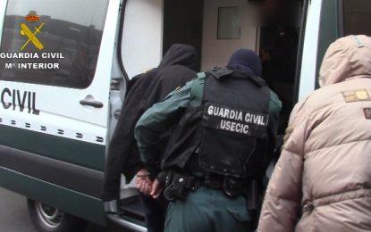 La Guardia Civil desmantela una célula de ciudadanos albaneses especializada en robos en viviendas de alto nivel adquisitivo