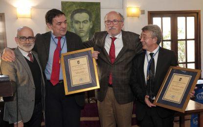 Guillermo Busutil y Pedro Luis Gómez abogan por un periodismo fuerte y unido al recibir la Medalla de Honor del Periodista