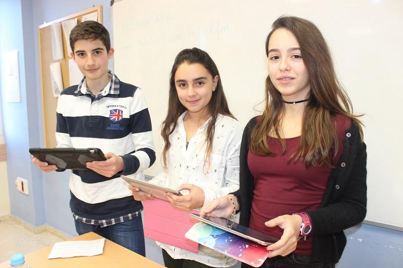 Padres de alumnos del Liceo Francés de Málaga reciben una charla para ayudar a sus hijos a utilizar las Redes Sociales de forma didáctica