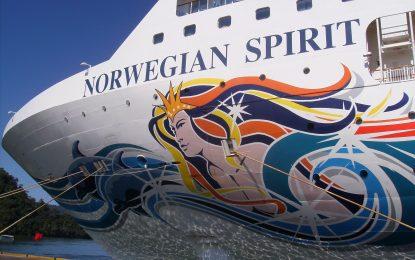 Norwegian Spirit, el primer buque del año en llegar a el Puerto de Málaga