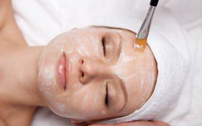 Casi el 50% de los jóvenes se sienten acomplejados por el acné