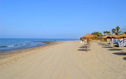 La ciudad de Marbella, Málaga, reclama a Costas que arregle las playas de una vez