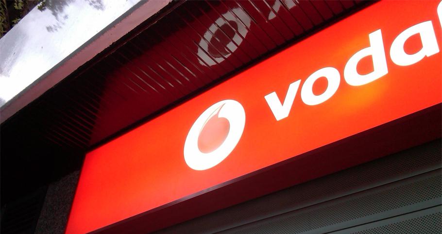 FACUA denuncia a Vodafone por empezar a cobrar gestiones en el teléfono de atención al cliente