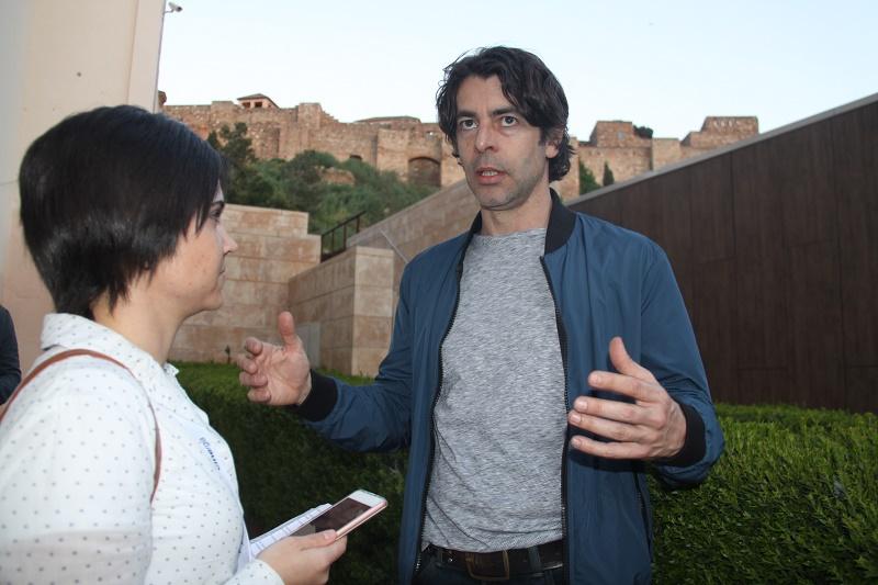 Malagaes dialoga con los protagonistas de 'Llueven vacas' dirigida por Fran Arráez y partícipe en la Sección Oficial Zonazine