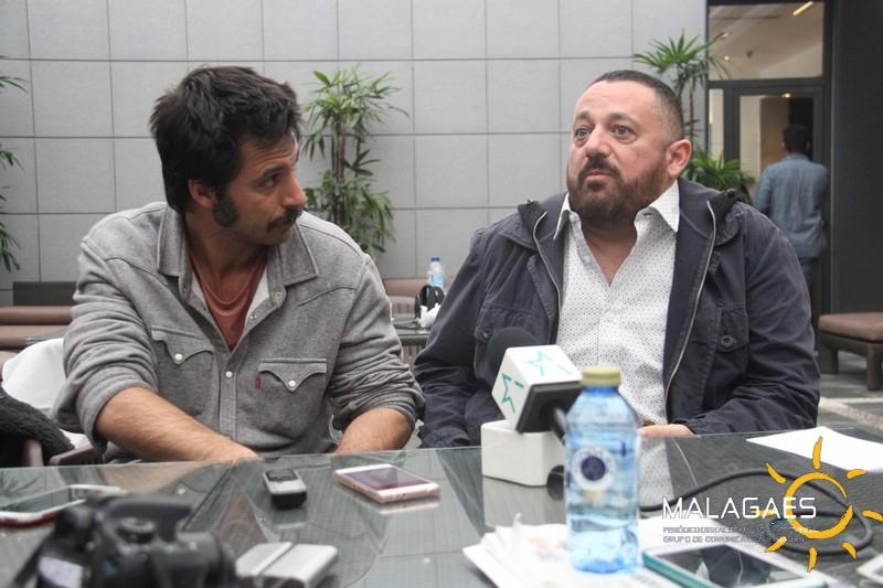 Los intérpretes de la comedia malagueña 'El intercambio' hablan con Malagaes el día de su estreno