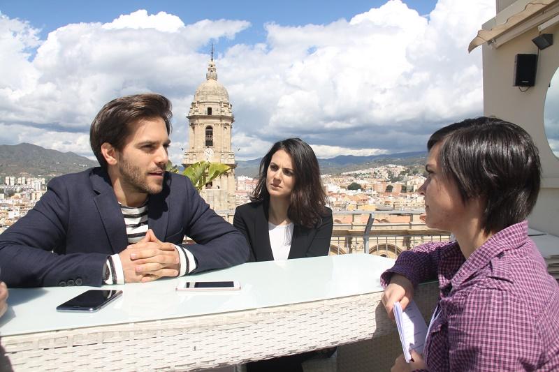 Las figuras de 'El jugador de ajedrez' conceden una entrevista a Malagaes como película a concurso en el Festival de Málaga