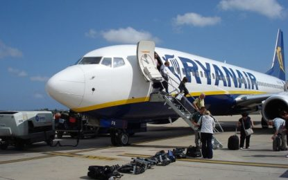 Un vuelo de la compañía Ryanair, se ha desviado al aeropuerto de Málaga ante el comportamiento de un pasajero