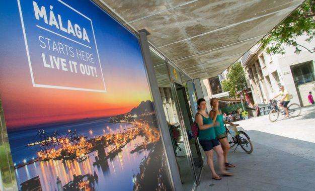 Málaga se mantiene en marzo como segunda provincia peninsular en viajeros y pernoctaciones hoteleras