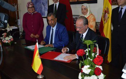 El alcalde de Málaga De la Torre presenta su modelo urbano en la ciudad marroquí de Kenitra
