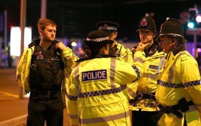 La crónica negra del salvaje atentado en Manchester deja de momento 22 muertos y 59 heridos